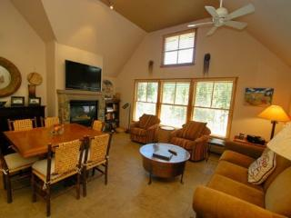 Jackpine Lodge 8024 - Completely renovated, beautiful decor, ADA compliant!, Keystone