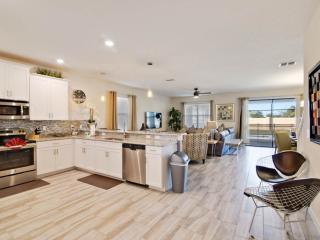8 Bedroom Luxury Home Close to Disney, Davenport