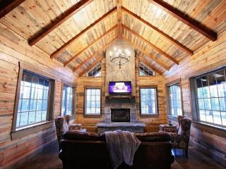 Brand New Luxury Cabin in Broken Bow, OK
