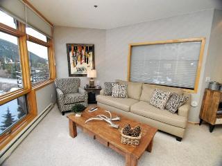 River Bank Lodge 2924 - River Run, walk to slopes, private 4 person deep soaking tub, amazing views!, Keystone