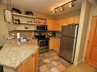Silvermill Lodge 8170 - Newly remodeled kitchen, sleeps 5!, Keystone