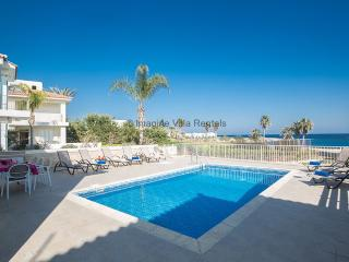 Shaye Front Line Villa, Sleeps 10, UK satellite, Protaras