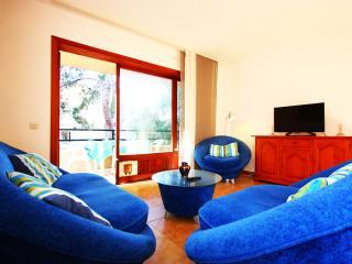 Erin apt with 3 bedrooms near Santa Ponsa's Port.
