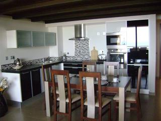 5* Mar Da Luz Apartment with hot tub and sea view