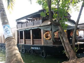 KV houseboats