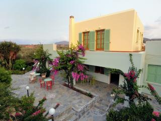 Traditional Large Villa Close to the Beach, Gouves