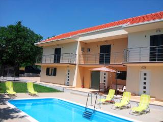 Villa Anatea with a pool, Makarska
