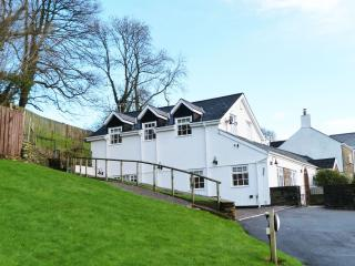 Bwthyn y Coed 5 star Cottage in Cardiff  - 393745