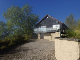 Charming loch view lodge - Achmony Green Lodge, Loch Ness