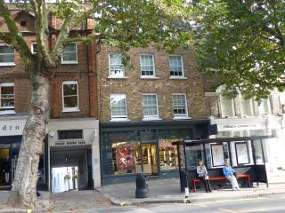 Fabulous First Floor Flat in the Heart of fashionable Hampstead, Central London 20 minutes away