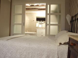 Apartamento en casa rural Vinotinto  T, Adahuesca