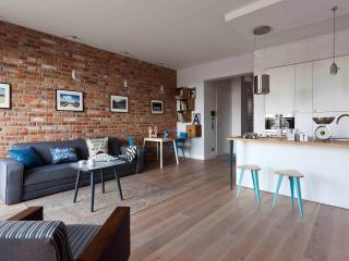 Design, artful one bedroom apartment in Praga, Warsaw