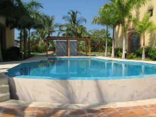Holiday villa, Isla Baru (with watersports)