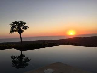 Villa with ocean view, breathtaking sunsets &pool, Nosara