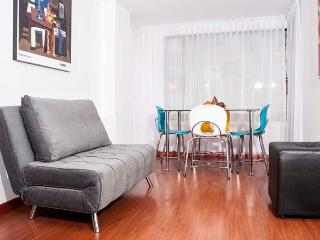 Colorful 2 Bedroom Apartment in Chapinero Alto, Bogota