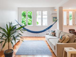 Bright & Cheery 2 Bedroom Apartment in Leblon, Río de Janeiro