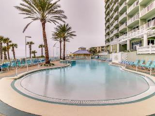 Centrally located Gulf front condo w/ amazing views, shared pool & hot tub!