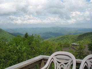 New Listing*Sky-High Mountain-top Home*Great View!, Banner Elk