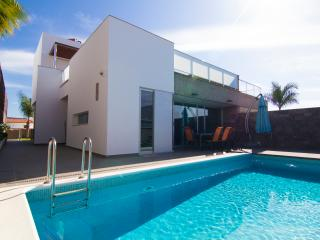 Villa in Habitas del duque ( 6 bedrooms )