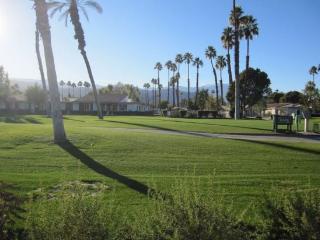 JC3 - Rancho Las Palmas Country Club - 2 BDRM, 2 BA, Rancho Mirage