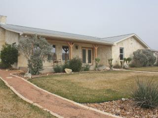 0 H Ranch, Medina