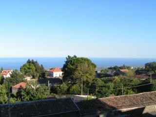 Ai piedi dell'Etna ad un passo dallo Jonio, Puntalazzo