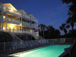 Seaside Haven- Views, Pool, Hot Tub and Tennis