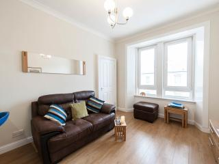 No. 10, 1-bed apt, handy location, refurbished, Edinburgh