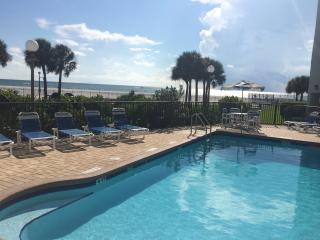Beachfront 2 bdr. suite condo with full kitchen
