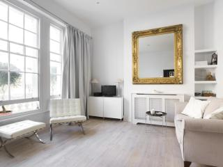 onefinestay - Alderney Street III private home, London