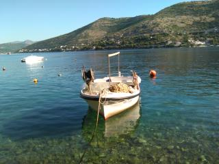 Spacious & charming 15m from sea, Dubrovnik