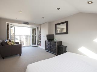 onefinestay - Aynhoe Road private home, Londen