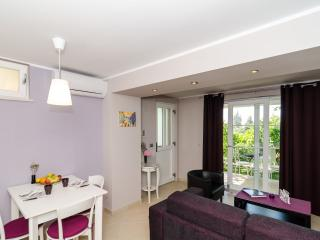 Apartments Gaura - Comfort One Bedroom Apartment with Terrace