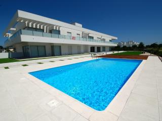 """Splash"" apartment by Rental Retreats, Sao Pedro de Moel"