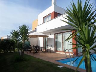 Luxury Villa with Private Pool, Obidos