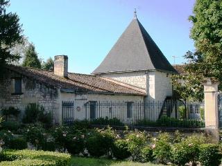 Nice Cottage in XVIIth Century Castle near Chinon