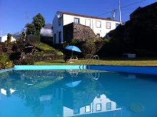 Glicinias do Pico Blue House