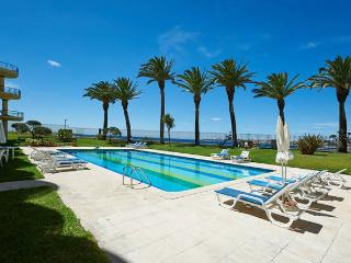 Amazing Apartment w/pool & beach, Estoril