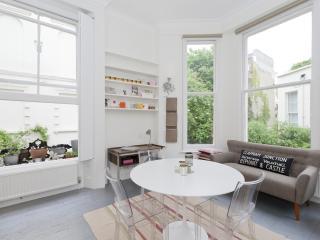 onefinestay - Clifton Gardens Studio apartment, London