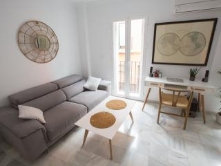MODERN, LIGHTLY & CENTRALLY LOCATED, Sevilla