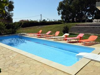 AI HELIS Grand Garden Villa - SERENATA