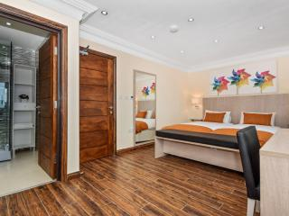 One Bedroom Apartment - Commercial Road, Londres