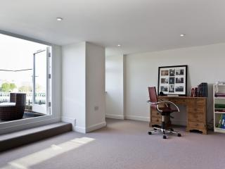 onefinestay - Deodar Road apartment, Londres