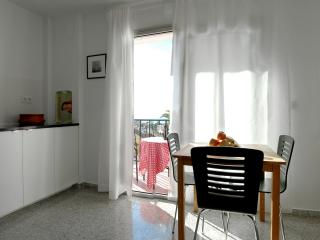 Apart. 3, Casa Malaga, with sea view & balcony