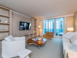 1/1 Beach Front Located in 5 Star Hotel 2101, Miami Beach