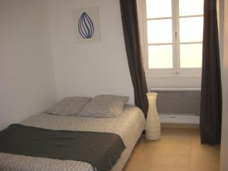charming 3 rooms between beach & old city, Nice