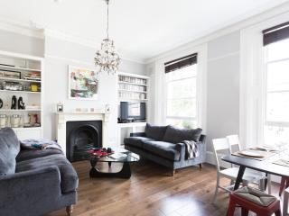 onefinestay - Elgin Avenue apartment, London