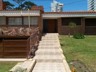 Great Conformtable Chalet near the beach, Punta del Este