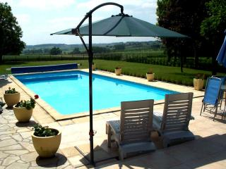 Luxury gite for 4 with private pool in St Severin, Saint-Severin