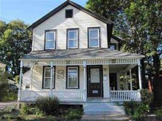 Spacious Saratoga Eco-Home, Auburndale